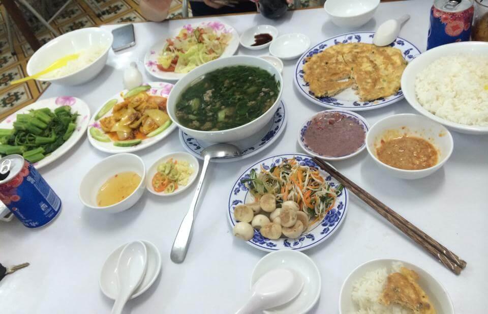 cơm trưa ngon ở Vũng Tàu